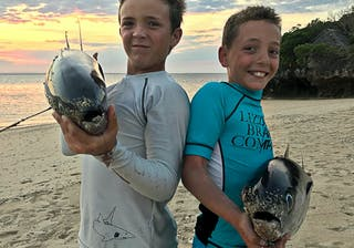 Azura Quilalea Kids Fishing