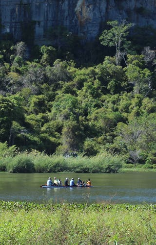 Balade En Pirogue Canoe Rambling  Iharana  Bush  Camp