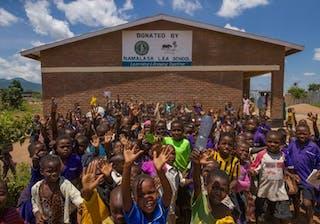 Community Children In Front Of School Cr Naude Heunis