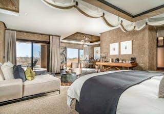 Earth Lodge Suite Interior