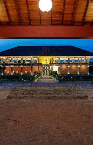 Evening View Of The Hotel At See Rock Kings Domain