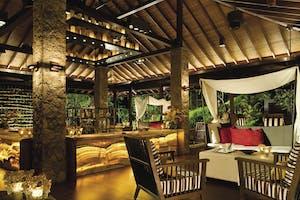 Four Seasons Mahe Bar