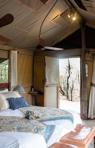Header Bedroom At Changa Safari Camp