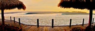 Hudhuranfushi Surf Deck