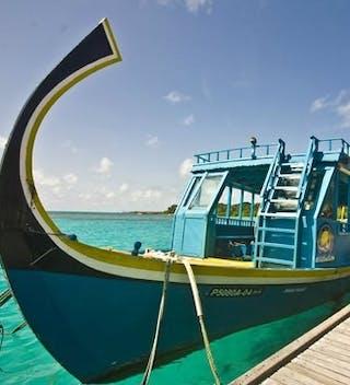 Hudhuranfushi Surf Dhoni Boat