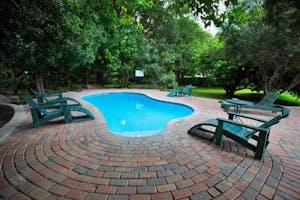 Island Safari Lodge Swimming Pool