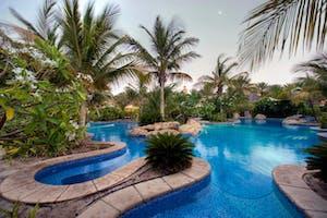 Jumeirah  Beach  Hotel  Swimming  Pool
