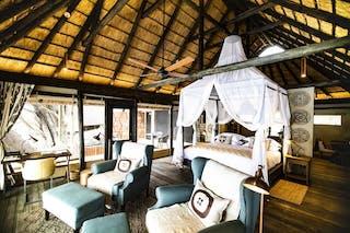 Kings Pool Suite Interior