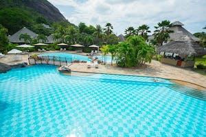 Le Domaine De La Reserve Large Pool