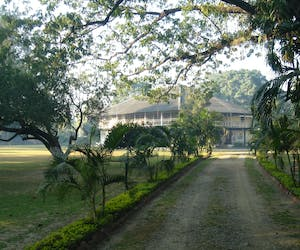 Mancotta Chang Bungalow From The Gate