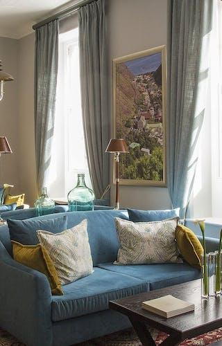 Mantis Hotel Lounge Interiors
