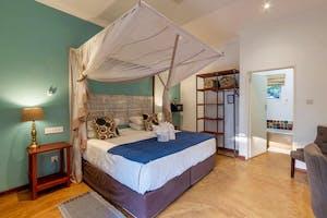 Phezulu Guest Lodge Bedroom