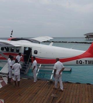 Seaplane Barefoot Pilots
