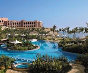 Shangri La Al Bandar Hotel Pool