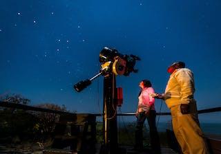 Star Gazing At Pumulani Photo Credit Robin Pope Safaris