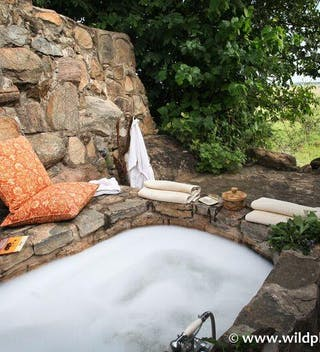 Apoka  Safari  Lodge  Bath