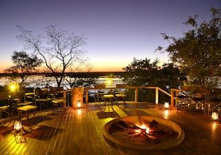 Muchenje  Safari  Lodge  Fire Deck At Night