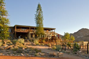 Desert Horse Inn10