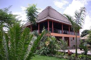 Five  Volcanoes  Hotel Exterior