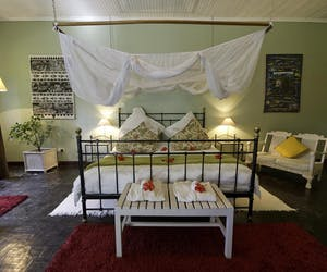 Heuglins Lodge Double Bed