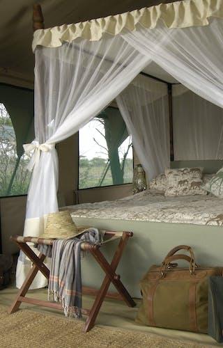 Kirurumu Serengeti Mobile Camp Bed
