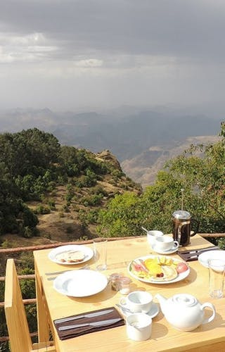 Breakfast With A View At Limalimo Lodge