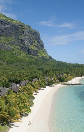 Paradis Hotel Backdrop