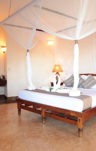 Ocean Paradise Bed