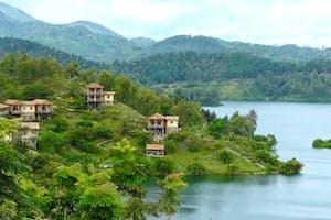 Lake  Views  Cormoran  Lodge