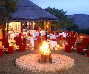 Thanda Safari Lodge Boma