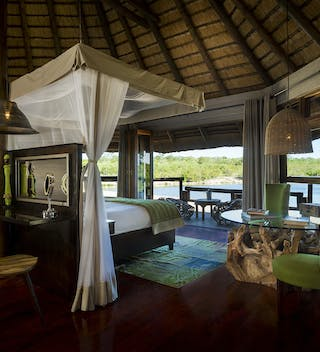 Ulusaba treehouse suite safari